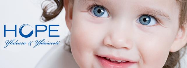 Lapsen kasvot ja Hope-yhdistyksen logo