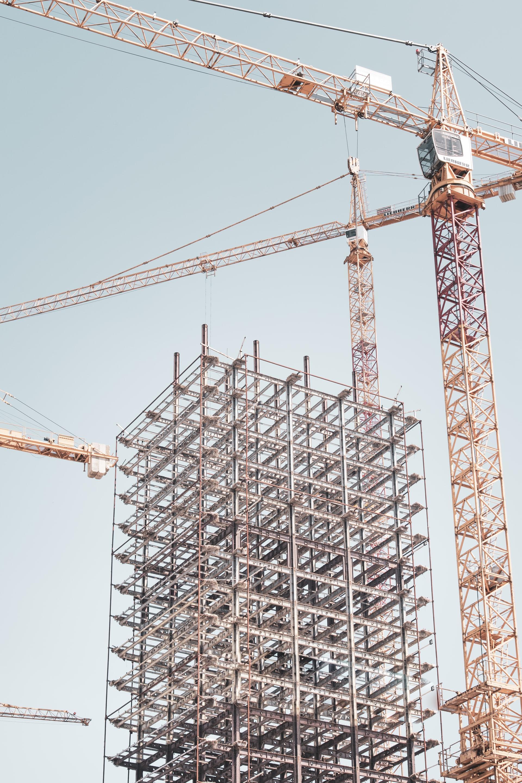 Nostureita rakennustyömaalla